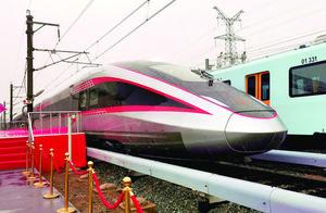 时速400公里高铁在长下线