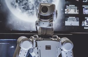 世界经济论坛:2025年半数工作将由机器完成