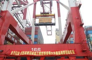 80多吨,10个集装箱才装下,进博会大型展品西班牙龙门机床抵达上海