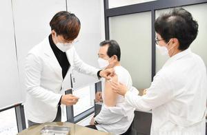 """韩国28人接种流感疫苗后死亡 总理""""身先士卒""""接种疫苗"""
