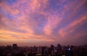 """广州今天漫天霞光与台风""""沙德尔""""有关"""
