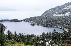 太美了!宛若童话世界,四川螺髻山景区迎来今年秋冬第一场雪
