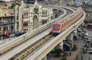 中巴经济走廊首个大型轨道交通项目巴基斯坦拉合尔橙线地铁正式开通