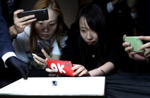 88克拉超级黑钻从巴黎来上海参展第三届进博会
