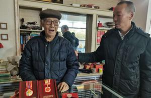 太好了!张家口93岁志愿军老兵丢失的纪念章找!到!了