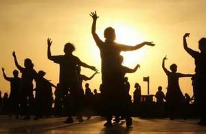 上海立法了!跳广场舞要遵守公序良俗,不能影响他人正常生活