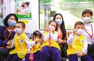 深圳地铁四条新线同步开通 网红站点吸引市民组团打卡