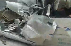 江西宜春一辆大客车与面包车相撞 致7死1伤