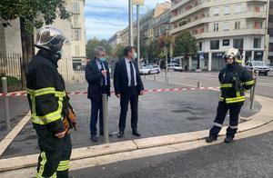 报复?法国尼斯发生持刀伤人案,至少三人死亡,市长称其为恐袭