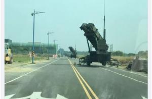 """台湾嘉义大马路上惊现导弹发射车!台媒:这是在进行""""联合防空作战训练"""""""
