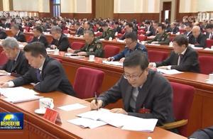 五中全会开幕时,新疆自治区党委书记陈全国正在喀什调研疫情防控工作