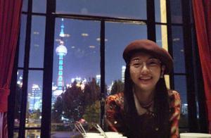 唐嫣罗晋庆祝结婚两周年 糖糖对镜甜笑很是幸福