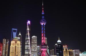 """为S10冠亚军决赛助威,东方明珠、上海中心被""""英雄联盟全球总决赛""""点亮了"""