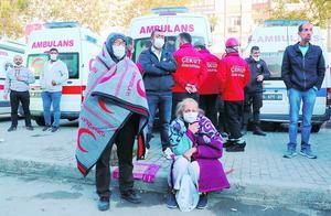 爱琴海地震死亡人数升至27人,土耳其希腊团结救援