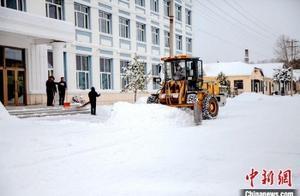 """雪深30厘米!""""中国最冷小镇""""迎10年来同期最大降雪"""