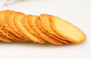 盐津铺子、董小姐等薯片被检出潜在致癌物丙烯酰胺,该不该恐慌?