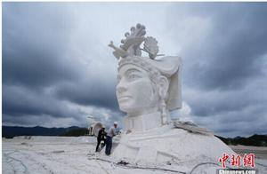 """贵州毕节现巨型""""奢香夫人""""雕塑,相关公司称系广告模型"""