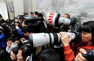 记者节丨今天这个头条,留给他们