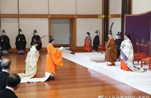 日本皇宫举行仪式 宣告天皇弟弟为第一皇位继承人