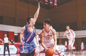 常规赛第10轮宏远男篮121:90击败四川队,整体状态稳定收获8连胜