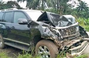 意媒:埃托奥在喀麦隆开车跟公交车相撞,目前已送医没有生命危险