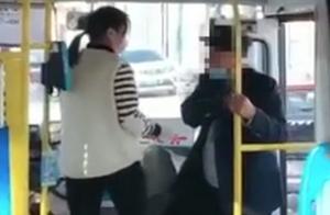 公交司机嫌弃老人有异味辱骂拒载?停岗