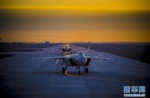 人民空军成立71周年 阔步迈向世界一流空军