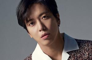 CNBLUE官方SNS公布郑容和等三名成员新专辑写真
