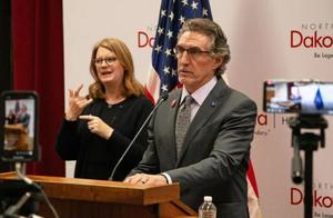 美国一州允许新冠阳性医护人员继续工作,专家:疯了吗