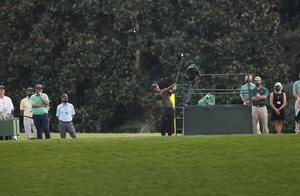 美国高尔夫球大师赛空场举行 球员有遗憾有理解