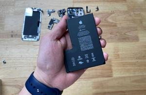 拆解发现iPhone 12 Pro Max的电池有了奇怪的变化