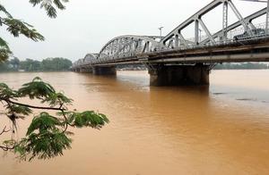 """台风""""环高""""逼近越南 总理要求紧急防灾"""