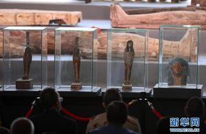 埃及本年度最大的考古发现:出土100具约2500年前的彩绘木棺