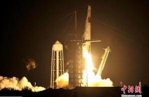 美国执行首次商业载人飞行任务 飞船成功入轨
