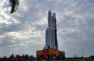 长征五号遥五运载火箭垂直转运至发射区 11月下旬择机实施发射