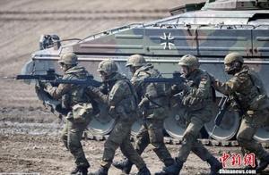 特朗普或将下令从阿富汗撤军 北约秘书长罕见发警告