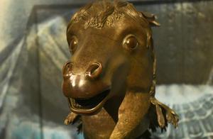 曾流失海外百余年的马首铜像年内将回到圆明园