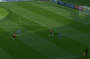 亚冠开门红!李圣龙头球双响助上港2-1逆转悉尼