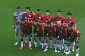 李圣龙头槌梅开二度扮演英雄,上港2比1逆转悉尼FC迎开门红