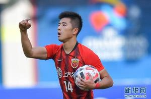 李圣龙头球双响 上海上港2:1逆转悉尼FC