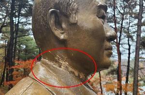 """韩国前总统全斗焕铜像被""""锯头""""嫌犯当场落网"""