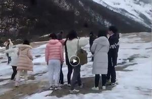 黄龙景区通报游客踩踏钙华滩流:169名环卫巡护 发现违规制止并劝离