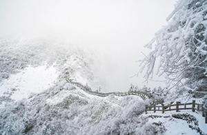 今冬第一场大雪!成都西岭雪山今年有望提前滑雪