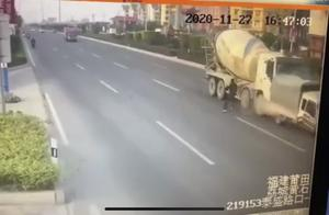 福建莆田两车相撞致9死7伤,事发时其中一农机车内载有多人