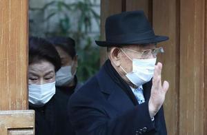 89岁韩国前总统出庭受审 家门口怒斥示威者:吵死了