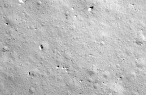转存珍贵影像!嫦娥五号传回的着陆影像图