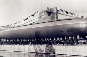 """中国首艘核潜艇的生死试航:升降舵突然失灵,潜艇马上就要触底,眼看所有人将瞬间变成""""拆骨肉""""……"""
