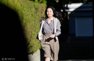 """美媒放风:美国司法部允许孟晚舟回国,但她必须先""""认错"""""""
