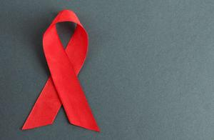 云南出台新规:向伴侣隐瞒艾滋病将被追究刑事责任