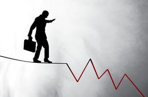 """连年亏损仍""""勇闯""""纳斯达克 一起教育运营模式能否突围营销大战"""